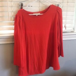 Loft top with sleeve detail